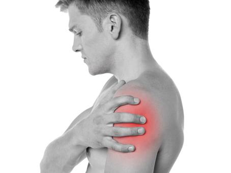 Боль в плече из-за грыжи диска