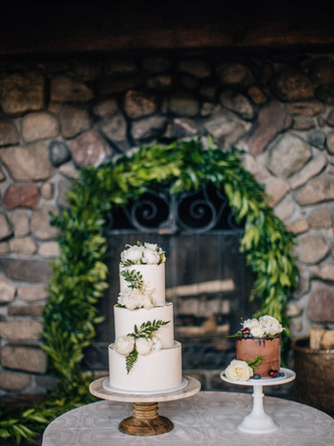 Garland Fireplace + Cakes - AbieLivesayP
