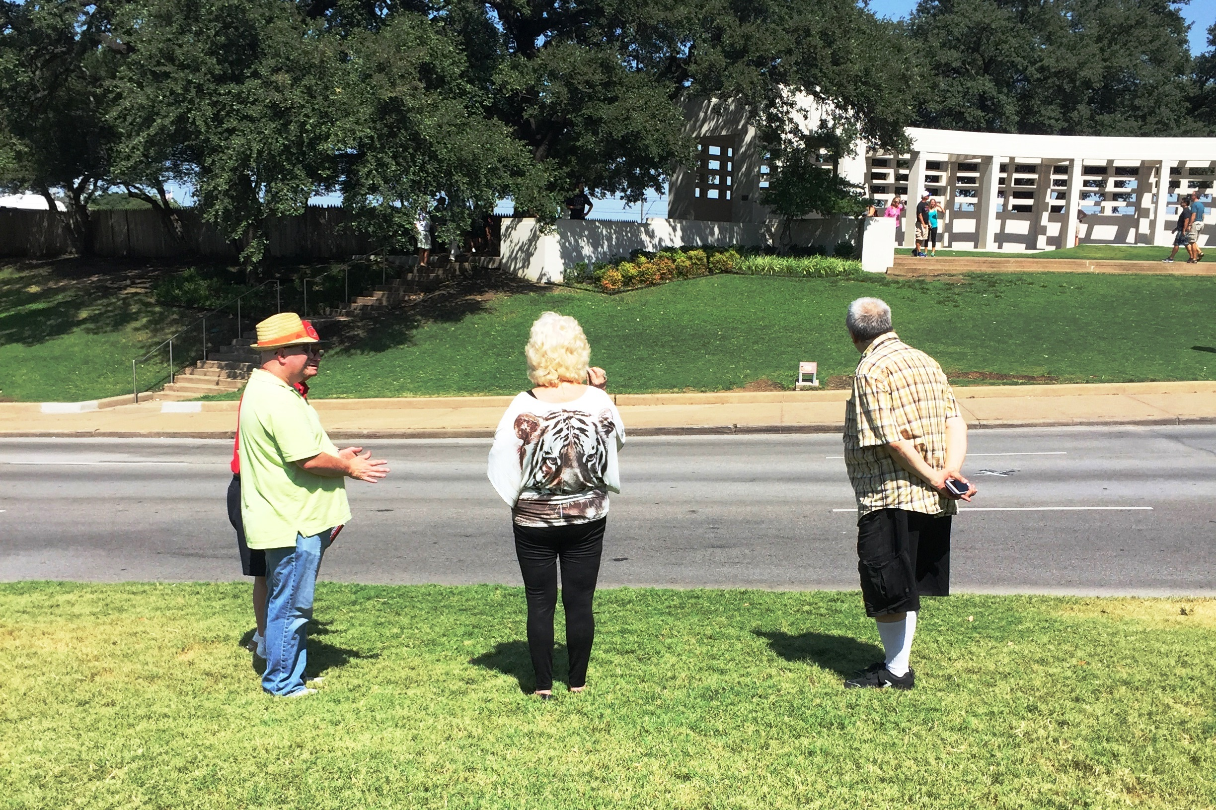 Walking tour in Dealey Plaza