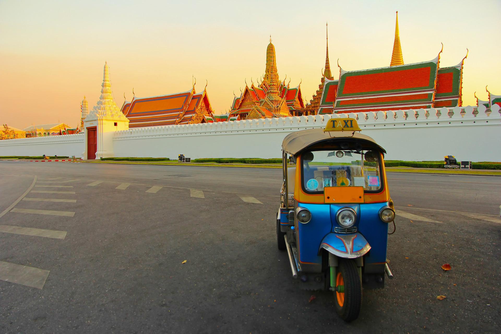 Thailand-Bankgok-Tuk-Tuk-127405046