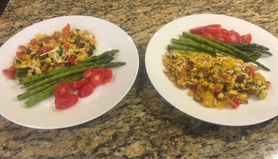 Italian Scramble, grilled asparagus, and fresh tomatoes