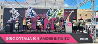 Bandierai al Giro D'Italia 2021 L'Aquila