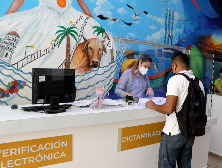 A partir de este lunes, reanuda SRE expedición de pasaportes en Tuxpan.
