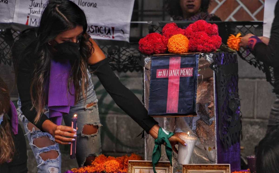 """COLECTIVAS FEMINISTAS CONMEMORARAN EL """"DIA DE LAS MUERTAS""""."""