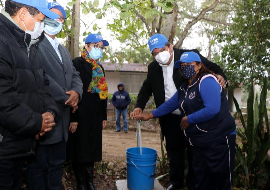 Gobierno de Tuxpan le cumple a familias de Macuiltépetl, con la inauguración de Sistema de Agua Pota