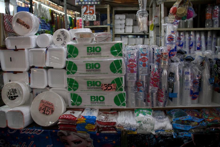 Queda prohibida la comercialización de  plásticos en la Ciudad de México