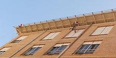 instalación de redes y pinchos anti aves palomas y gorriones en aleros, cornisas, techos y zonas de difícil acceso y posicionamiento en altura, trabajos verticales torrelavega santander y alrededores