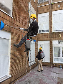 hidrofugar fachadas de ladrillo visto en torrelavega santander trabajos verticales fachadas cantabria