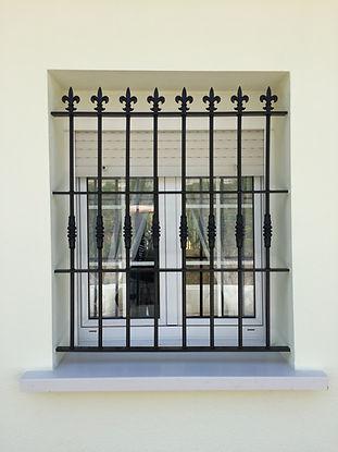 instalación de ventanas y rejas de protecció contra robos