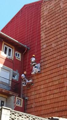 especialistas en reformas en altura, reparación y sustitución de tejas en fachadas de santander, mantenimiento para comunidades de vecinos en torrelavega