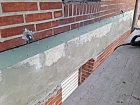 Refuerzos de pilares Torrelavega, reparación de estructuras de hormigón Santander, trabajos de drribo en comunidades de vecinos, seguimiento de grietas y fisuras Santander, colocación de ángulos metálicos en Cantabria, reparaciones y encofrados de fachadas en Cantabria