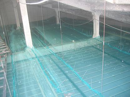Instalación de redes de protección bajo cubierta