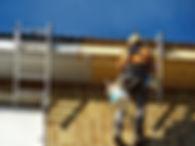 cambio de canalones, revestimiento térmico de fachadas Cantabria, trabajos de difícil acceso, posicionamiento con cuerdas rapidos y con bajo coste, derribos controlados Santander, podas en cantabria.