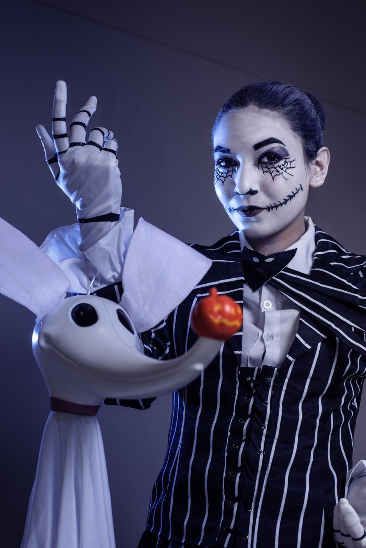 Cosplayer @elianathesaint as The Nightmare Before Christmas's Jack Skellington