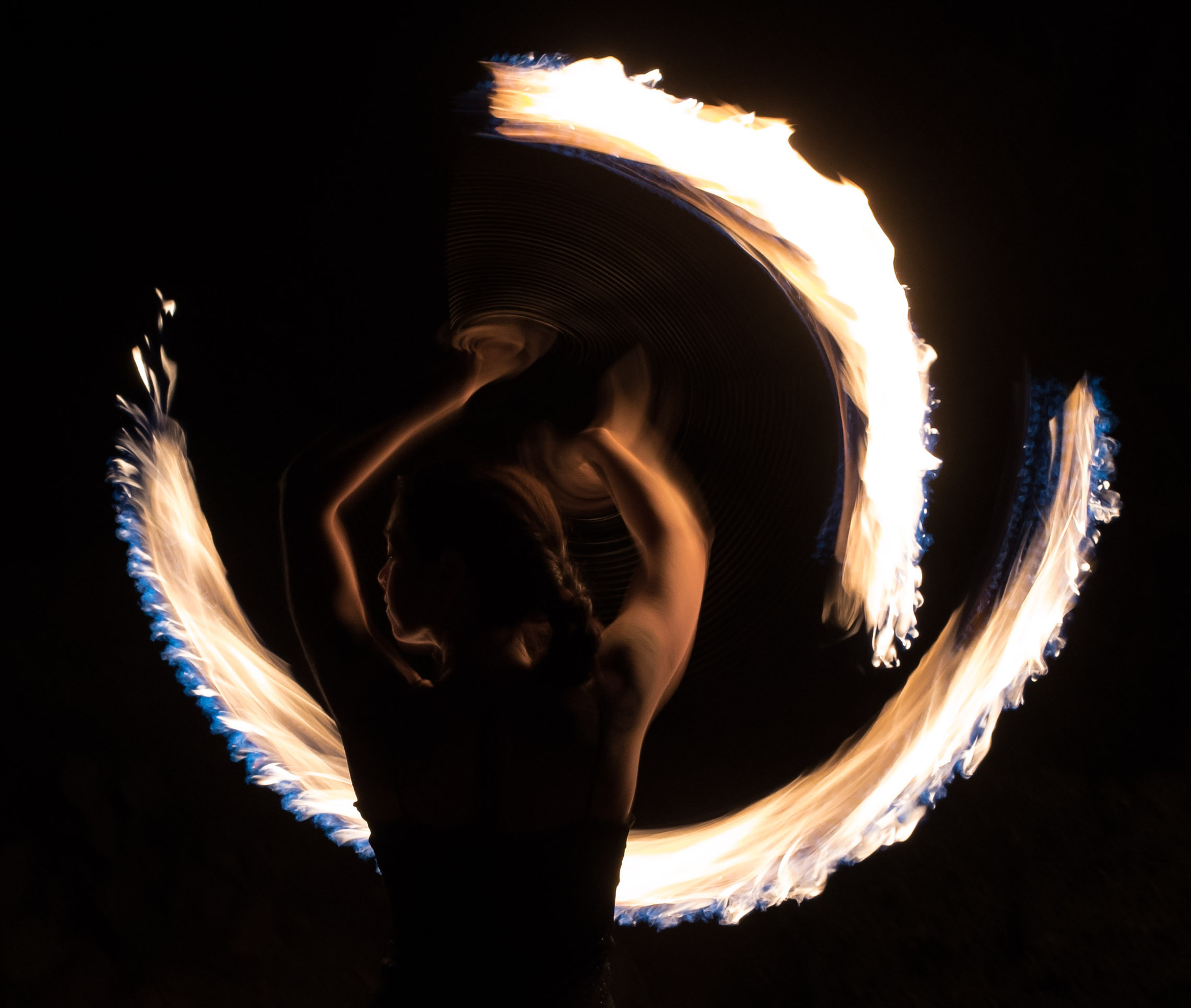 Zenn Burden twirling fire in Tucson, AZ.