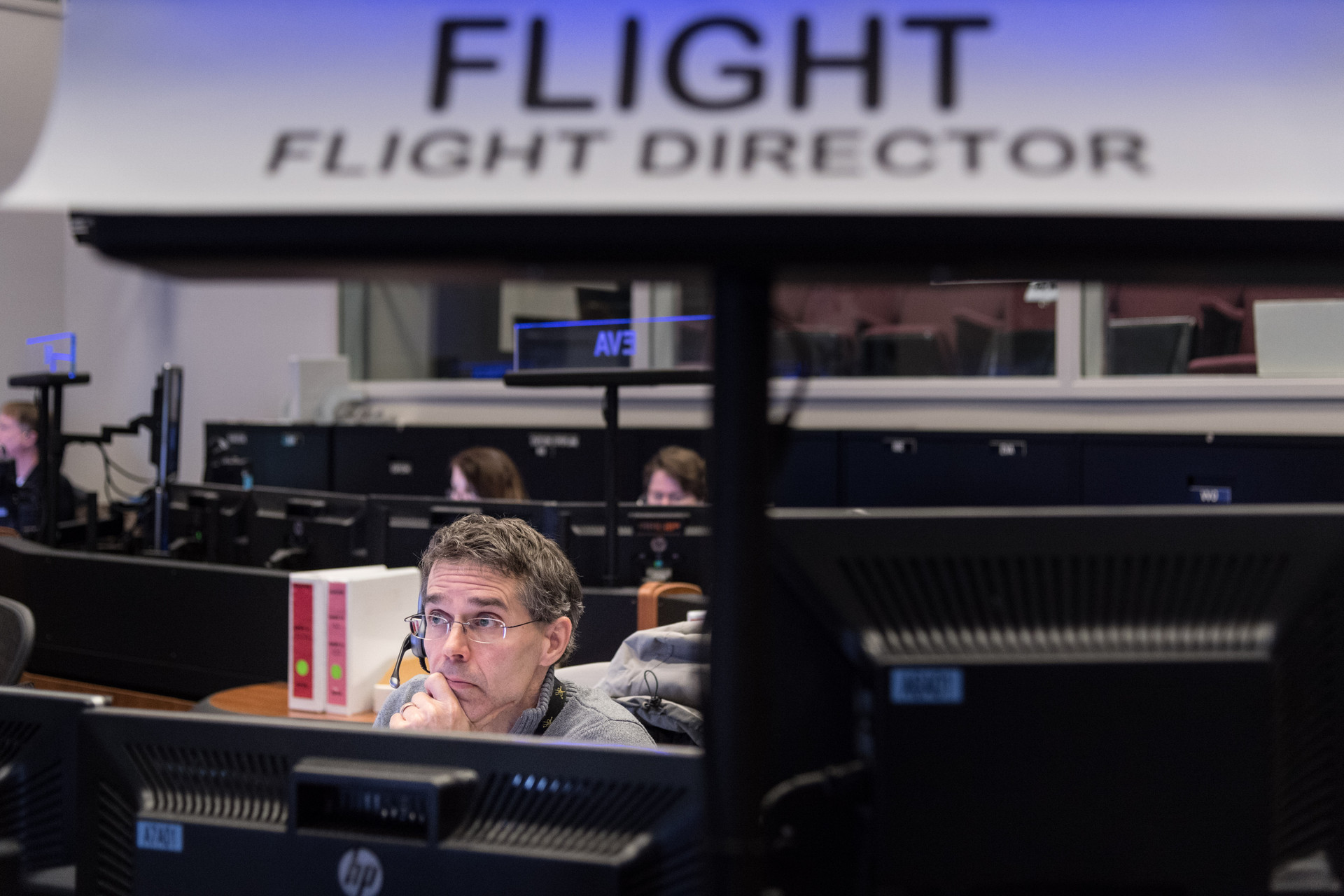 Flight Director Robert Dempsey in Misson Control during Joint Boeing CST-1--/ISS Mission Simulation