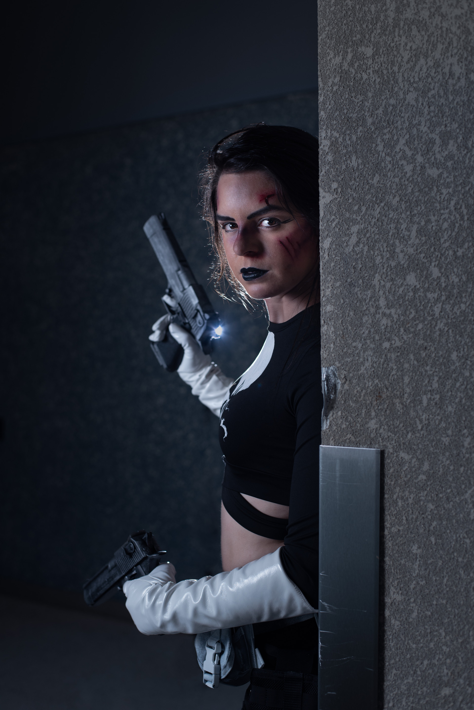 Marvel's the Punisher cosplayer, @ziacosplay
