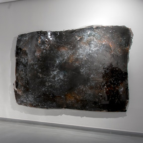 Untitled, 2017 Epoxy and metallic particules 186 x 277 cm