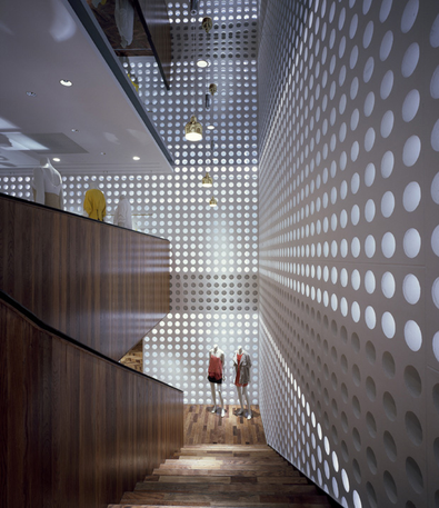 The bubble lighting connects each floor with its luminous effect.