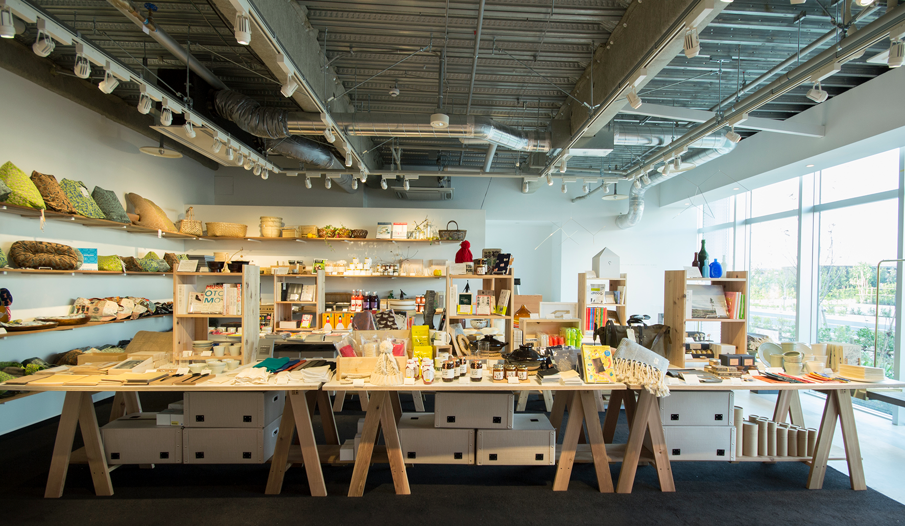 Early Birds Gift Boutique Project   Pop-up Store