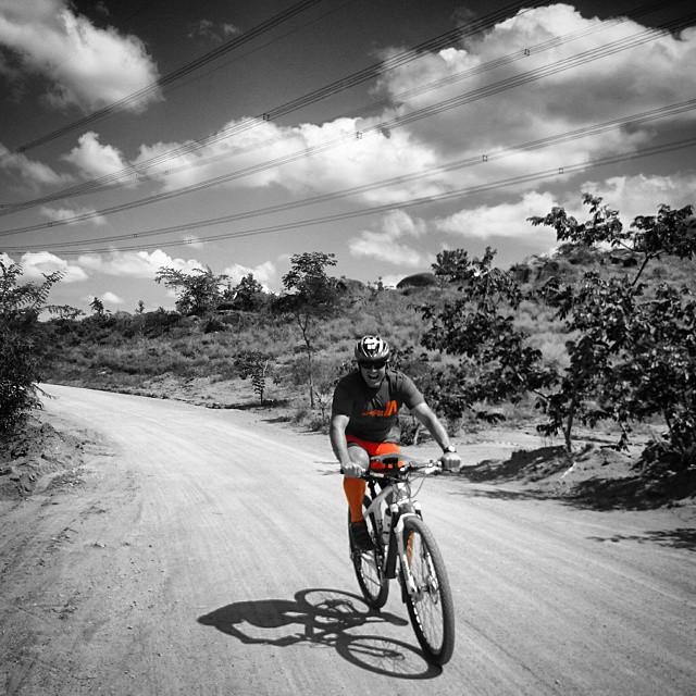 #pedalsolidario #mtb #adventure _#mountainbike #btt #bike #aventura #matadentro #cicloravena #ciclis