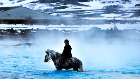 jezírko u Reykjahlíd, oblast Mývatn