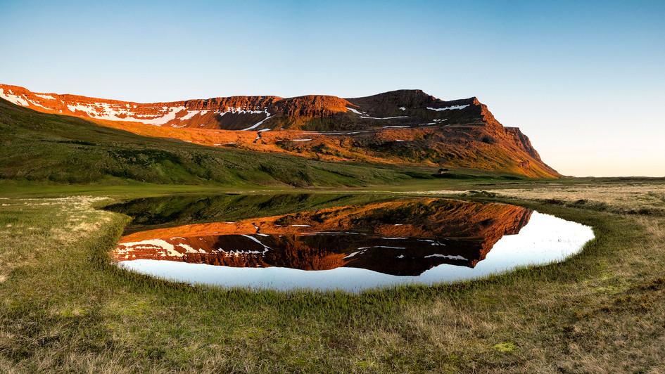 ráno u jezera Fljótsvatn, Hornstrandir