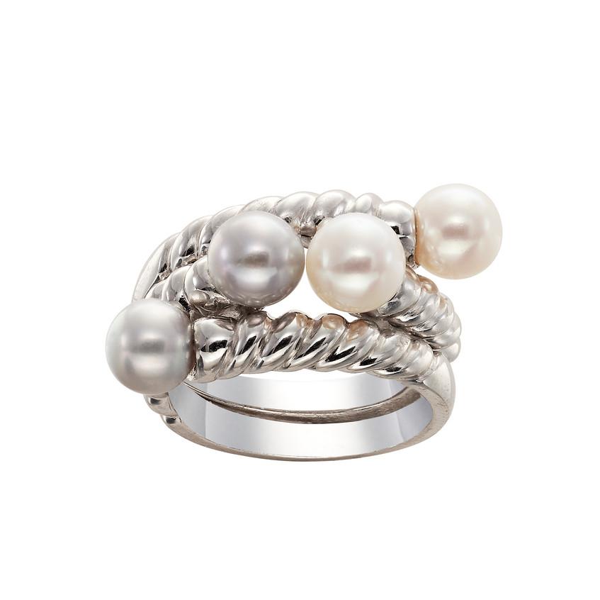 Anillos de plata y perlas blancas y grises (45€ ud.)