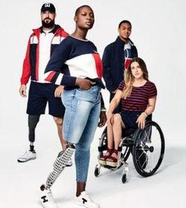 780055640 La marca norteamericana de ropa Tommy Hilfiger ha creado una línea de ropa  especial adaptada para adultos y niños con discapacidad: Tommy Adaptive.