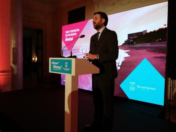 El Consejero de Turismo y Deporte de la junta de Andalucía, Francisco Javier Fernández