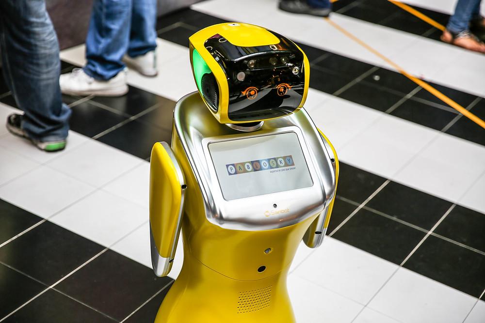 Sammy, el robot humanoide que te ayudará en el punto de venta Pablosky