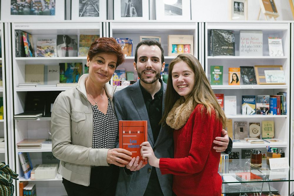 Junto a las actrices Silvia Espigado y Elena Caricol en la presentación Entre Parientes