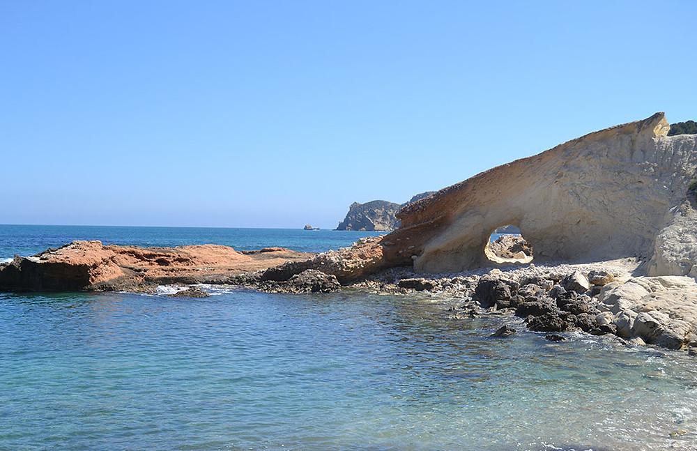 Cala Blanca. Fuente: www.javea.com
