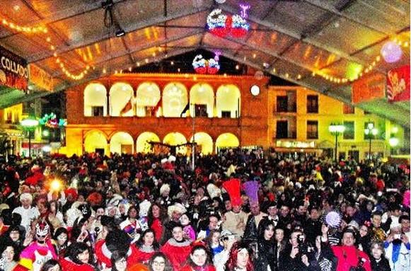 Plaza Ramón y Cajal de Villarrobledo - Carnaval nocturno