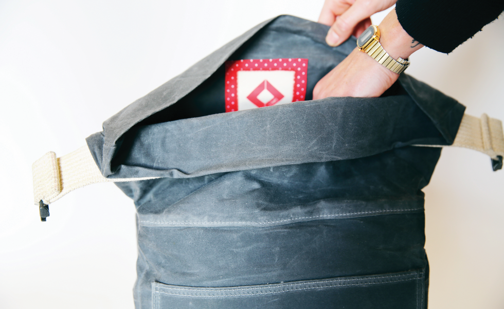 Sparkloop-LUMO packing bag.png