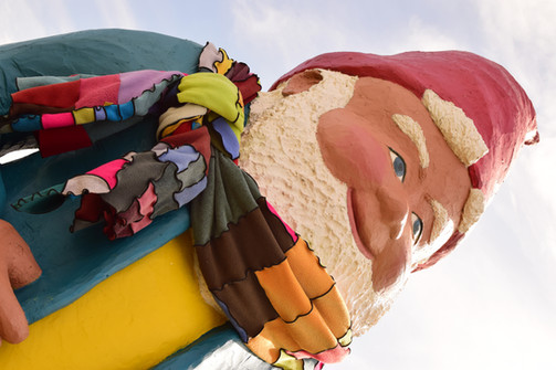Indy Anna eased his worry with a stylish new scarf, and the gnome told her a secret.