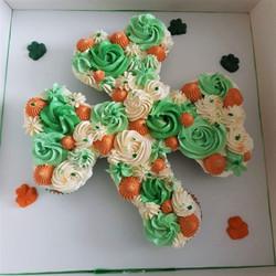 clover cupcakes