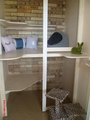Arundel Cat Chalet