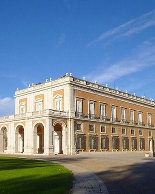 royal-palace-883800_1920 editado.jpg