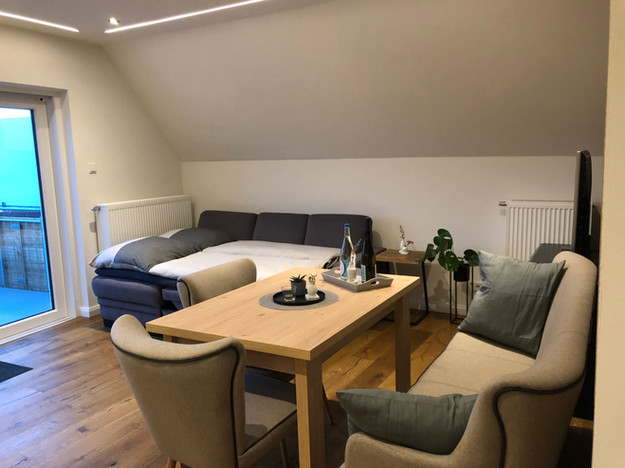Wohnbereich mit Schlafsofa. Liegefläche 1,25m x 1,95m