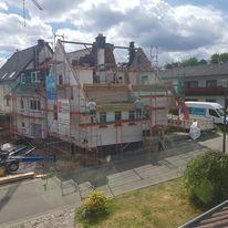 Zu Beginn wurde das alte Dach komplett abgetragen