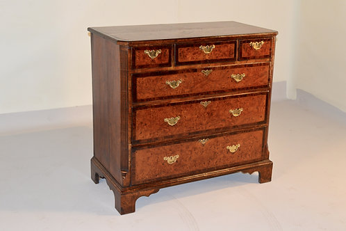 18th c. Burr Elm Chest of Drawers