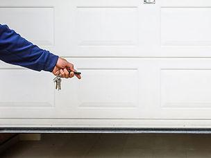 Garage-Door-Remote_pic1_400x300_WR.jpg