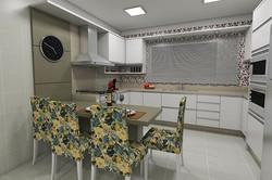 Cozinha com Mesa e Painel