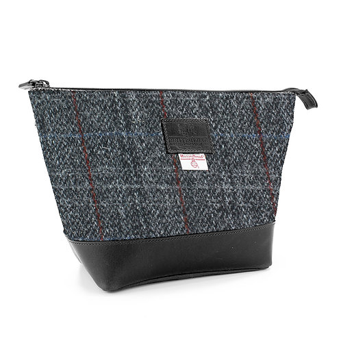 Berneray Harris Tweed Washbag