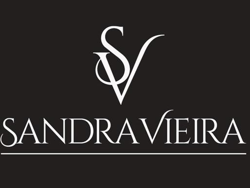 A estilista portugesa Sandra Vieira mostra a sua visão para uma mulher cosmopolita.