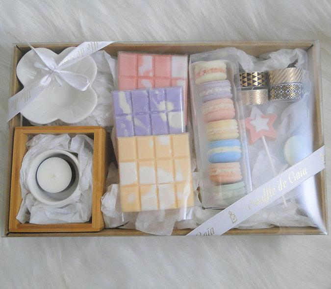 Coffret Bien-être gourmandises et macarons parfumés - 12 senteurs