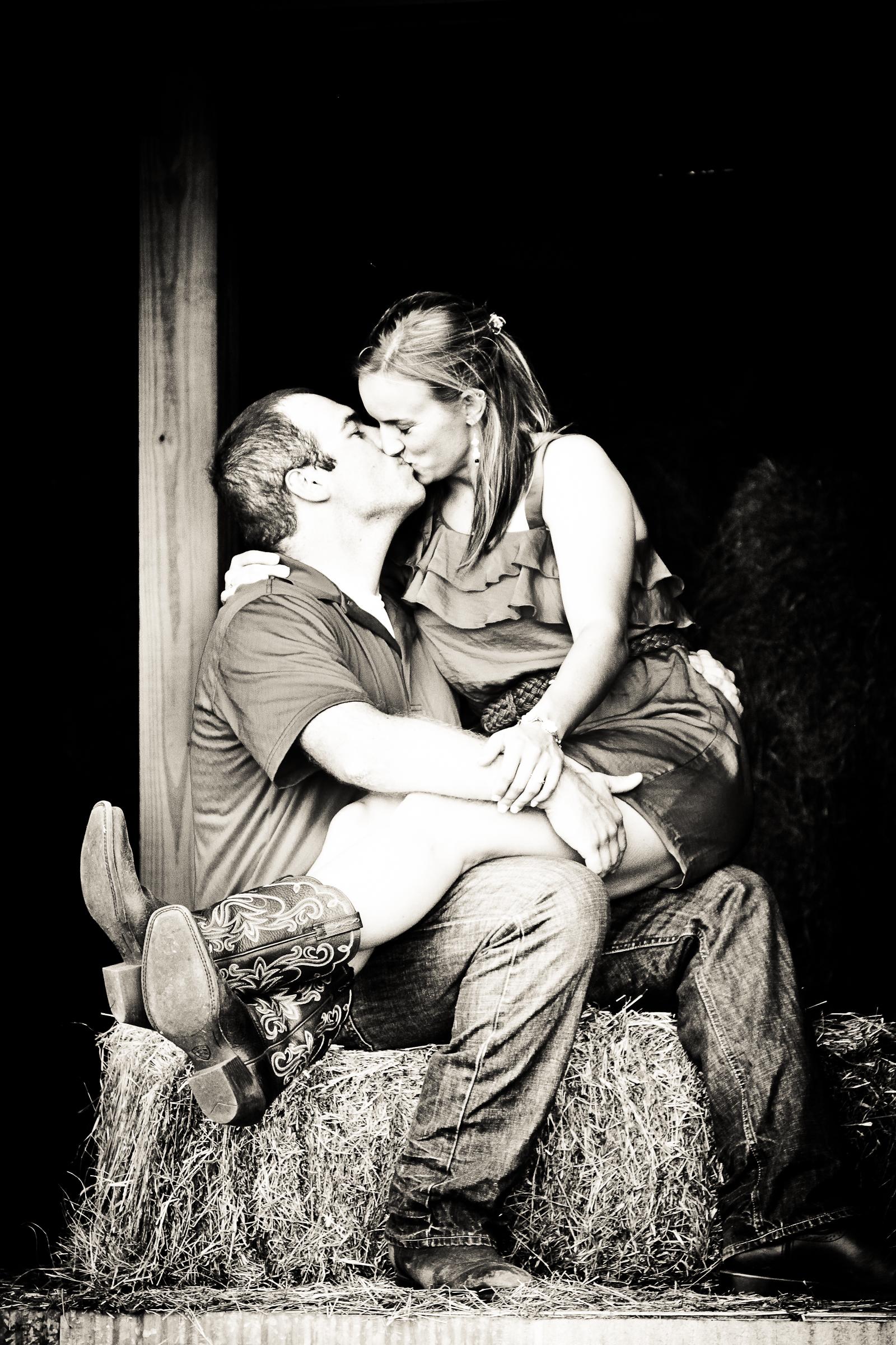 kissing in the  2.jpg