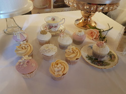 wedding - cupcakes display
