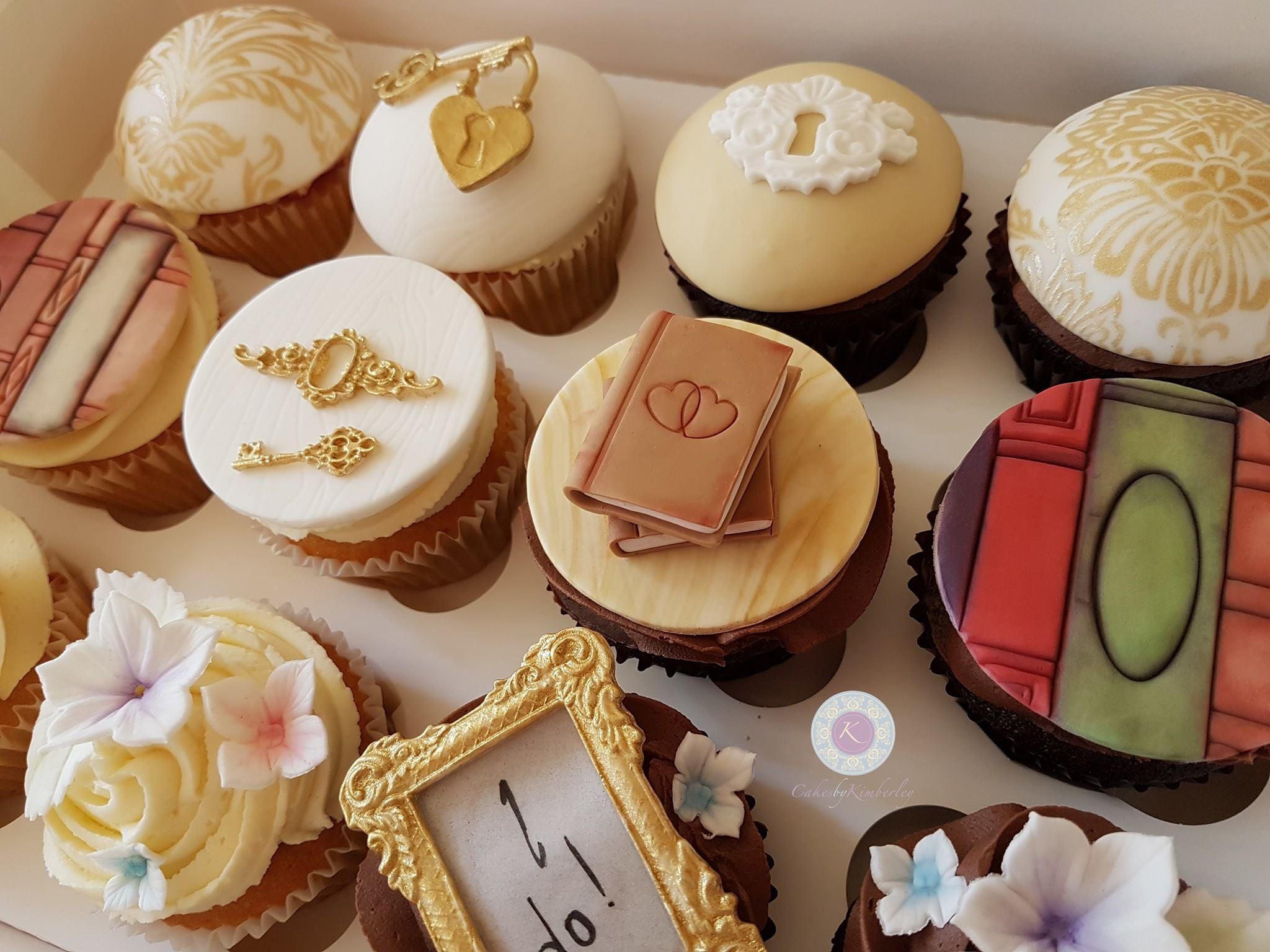 book cupcakes 1